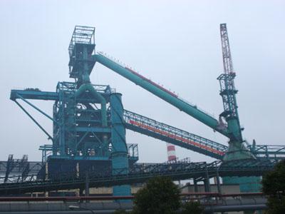 水的特大型高炉,于2008年6月19日开始结构吊装第一钩